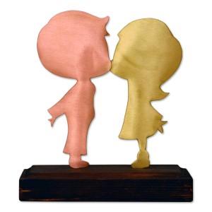 Ζευγάρι φιλί σε ξύλινη βάση Επιτραπέζια Διακοσμητικά Διακοσμητικα - papadopoulis.gr