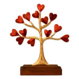 Δέντρο καρδιές σε ξύλινη βάση